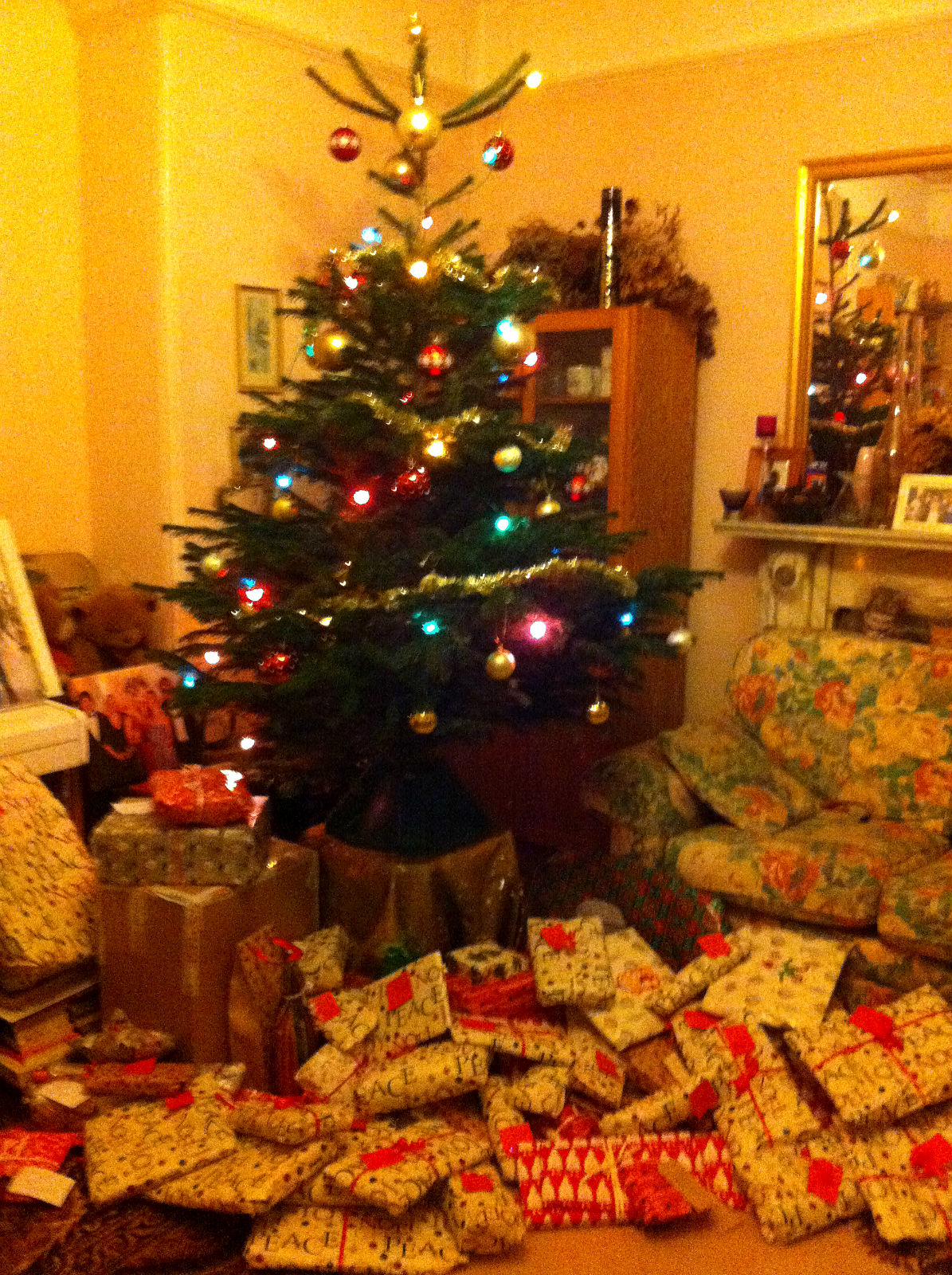 Things To Ask For Christmas.A Czech English Christmas Kirst Over The World